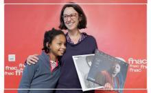 Malika Ferrara gagnante concours de sleeveface Nuit des bibliothèques 2017